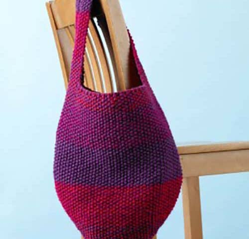 A fun summer knitting project. Perfect for the beach or the Farmer's Market. 31Daily.com