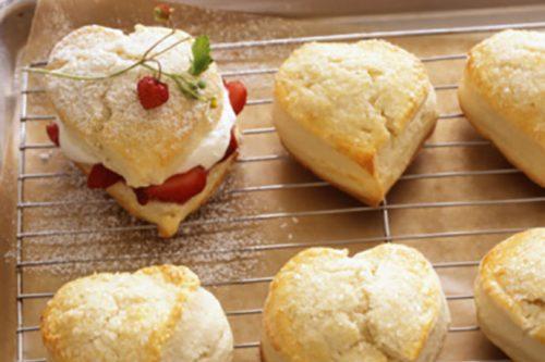 Heart-Shaped Valentine Strawberry Shortcakes | 31Daily.com