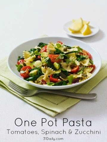 A quick and easy weeknight meal, filled with healthy goodness, One Pot Pasta with Tomatoes, Spinach and Zucchini is on the table in less than 20-minutes. | 31Daily.com
