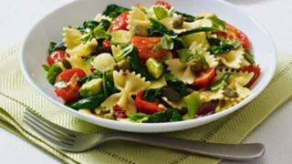 One Pot Pasta with Tomatoes, Spinach and Zucchini