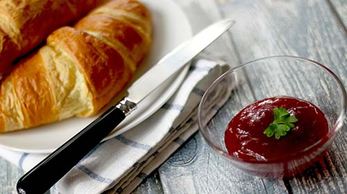 tb_strawberryjamcroissants