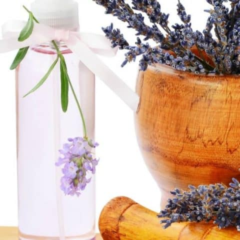 DIY Homemade Linen Spray and Room Freshener with Essential Oil Recipes | 31Daily.com