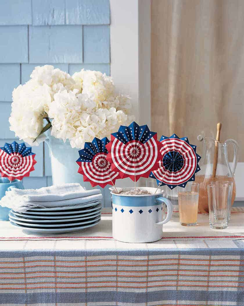 Inspirational Summer Patriotic Porch Ideas | 31Daily.com