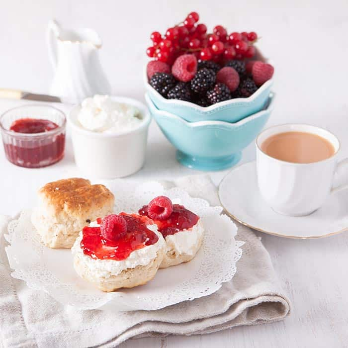 State Fair Favorite Foods -- Fisher's Piping Hot Scones | 31Daily.com