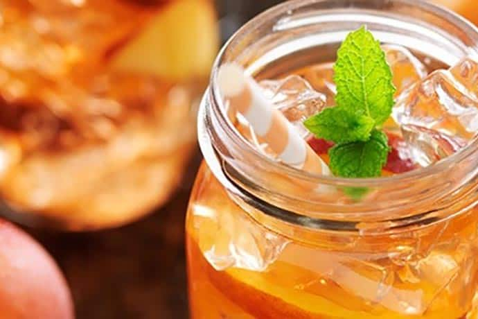 A refreshing twist on fruity tea is a thirst-quenching solution to jazz up plain old water. A perfect way to cool down on a stifling hot day. | 31Daily.com