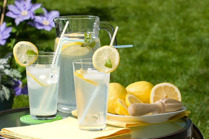 Summer Sweet Lemonade; a refreshing elixir you can make in minutes and varieties you can try all season long. | 31Daily.com