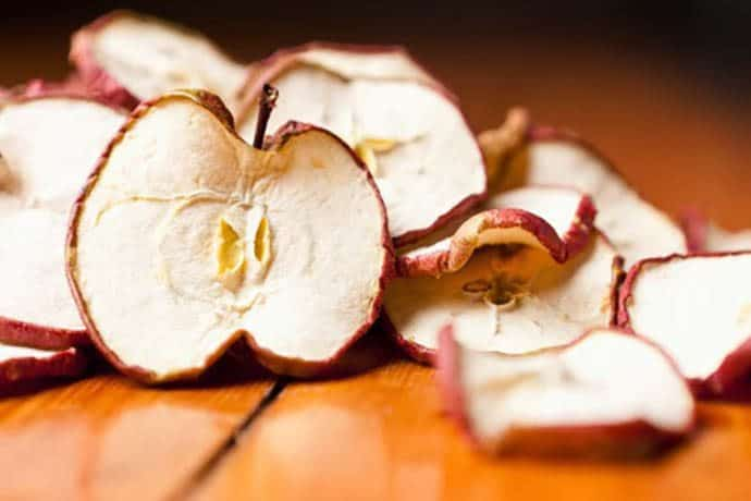 Healthy Snacks: Oven-Dried Apple Rings | 31Daily.com