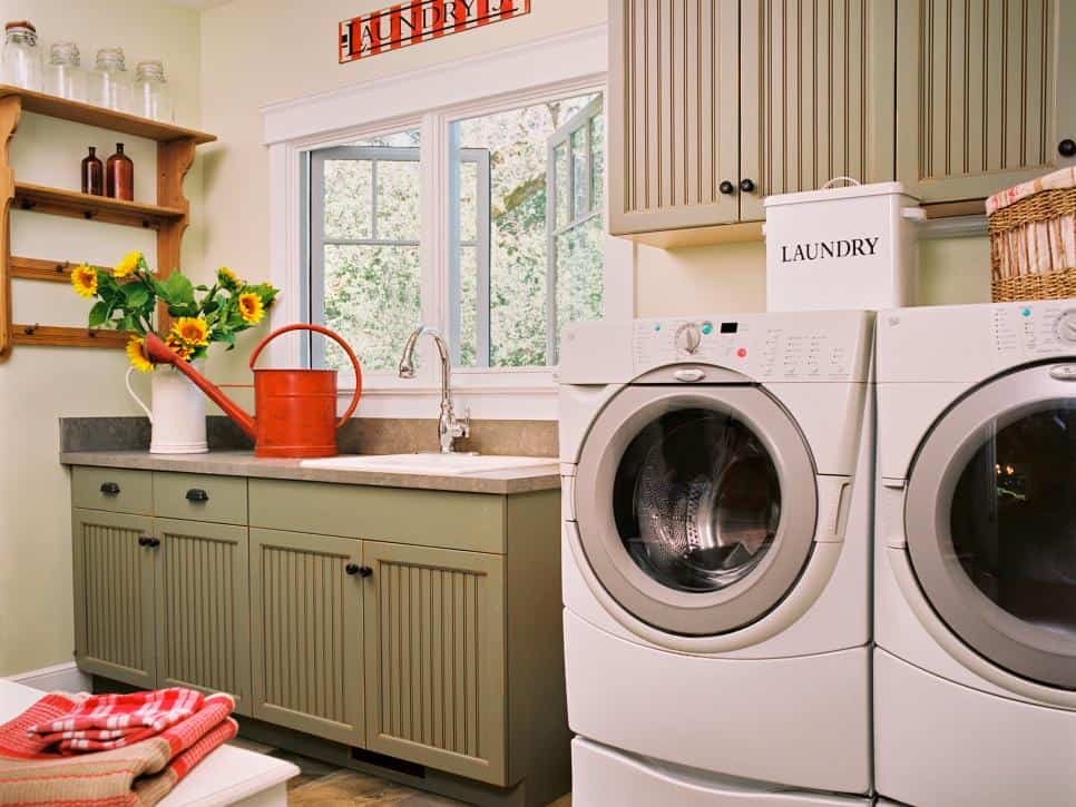 Easy Steps to an Organized Life in 31 Days: Laundry Room (Day 21) | 31Daily.com