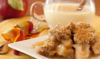 A Favorite Fall Classic: Slow Cooker Apple Crisp