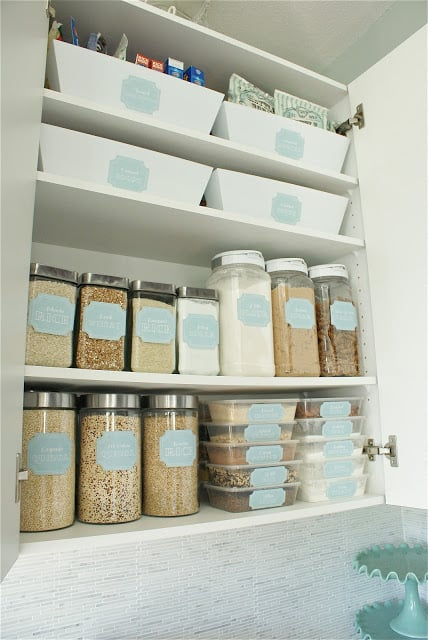 Easy Steps to an Organized Life in 31 Days: Kitchen Cupboards (Day 5) | 31Daily.com