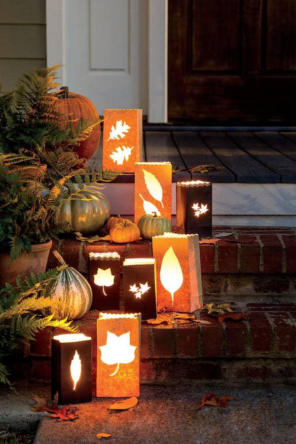Welcoming Festive Fall Porch Ideas | 31Daily.com