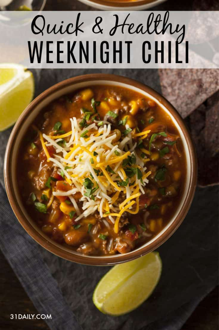 A quick and easy weeknight chili for fall and winter is a must. This easy chili recipe is delicious and ready in 20 minutes. Perfect for game days, tailgating, and even Halloween! Fast and Easy Healthy 20-Minute Chili Recipe | 31Daily.com #chili #weeknightdinners #easyrecipes #gameday #tailgating #31Daily