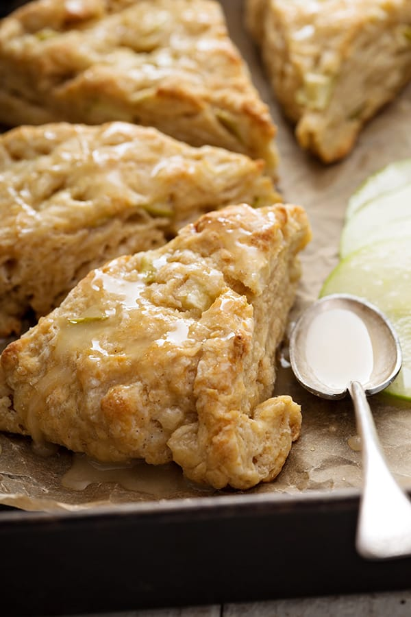 Petite Apple Cinnamon Scones | 31Daily.com