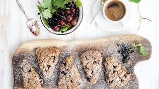 A Teatime Favorite: Healthy Black Currant Oat Scones