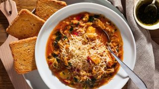 Hearty Country-Style Minestrone Soup with Kale