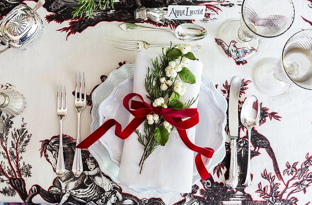 Christmas Entertaining: How to Fold a Perfect Napkin | 31Daily.com