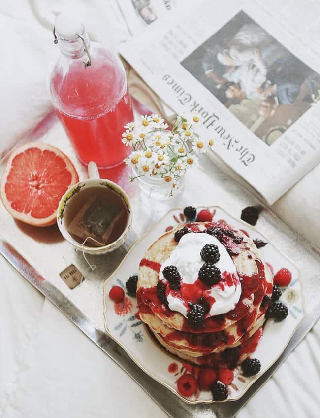Valentine 39 s day breakfast in bed easy recipe ideas 31 daily for Breakfast in bed ideas