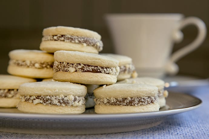 Latin American Alfajores Tea Cookies with Dulce de Leche