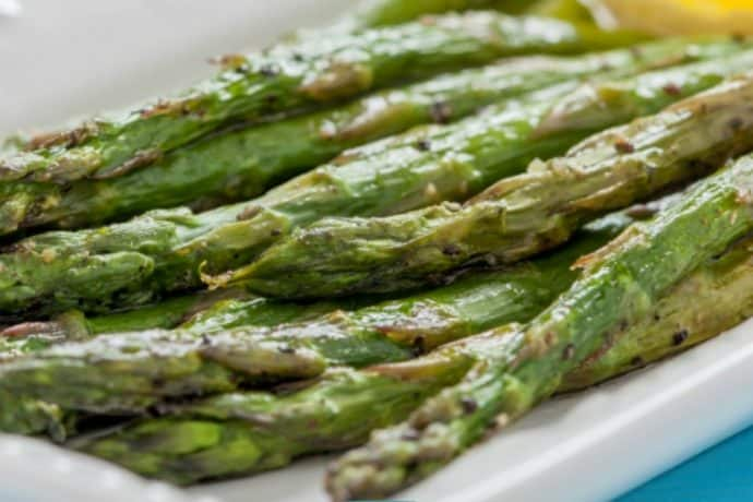 How to Roast Asparagus: a Quick and Easy Method   31Daily.com