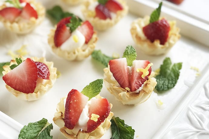 10 Minute Easy Mini Strawberry Cheesecakes in Filo Shells | 31Daily.com