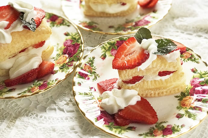A Quick and Easy Strawberry Napoleon Dessert in Minutes