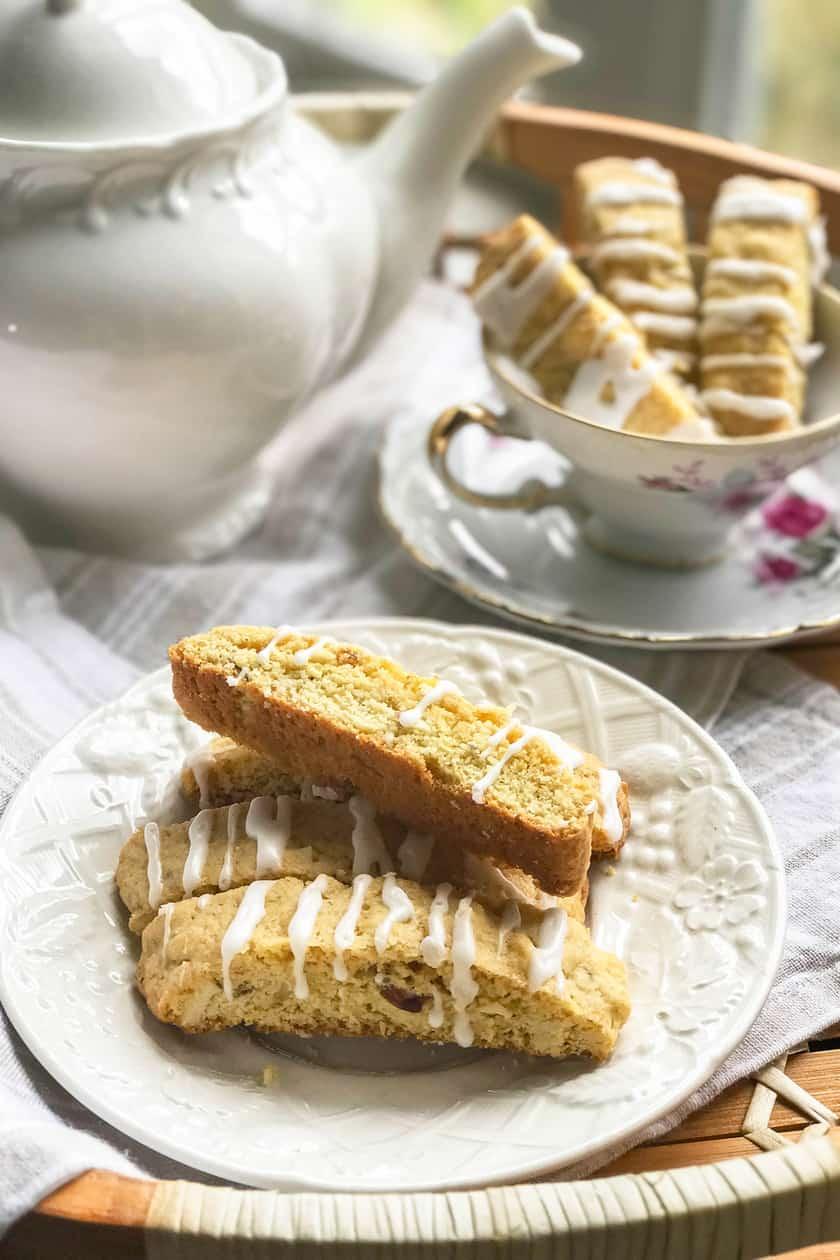 Lemon Biscotti with Almonds and Vanilla | 31Daily.com