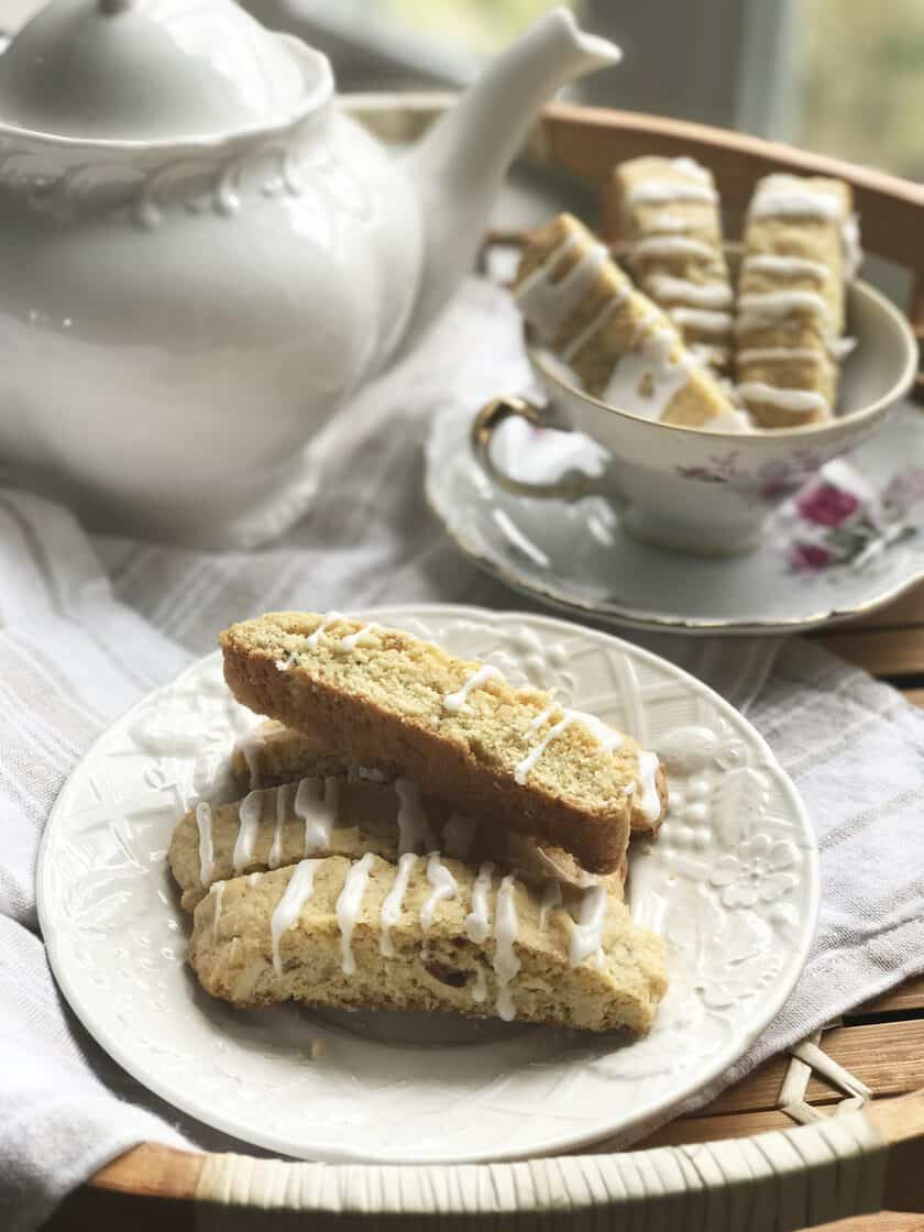 Lemon Biscotti with Almonds and Vanilla | 31Daily.com