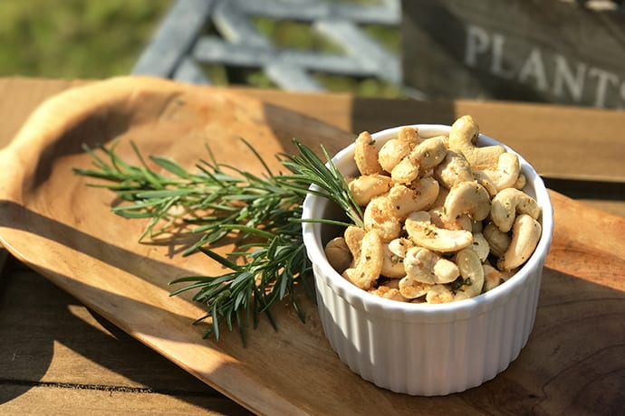 Quick and Easy Rosemary Spiced Cashews | 31Daily.com