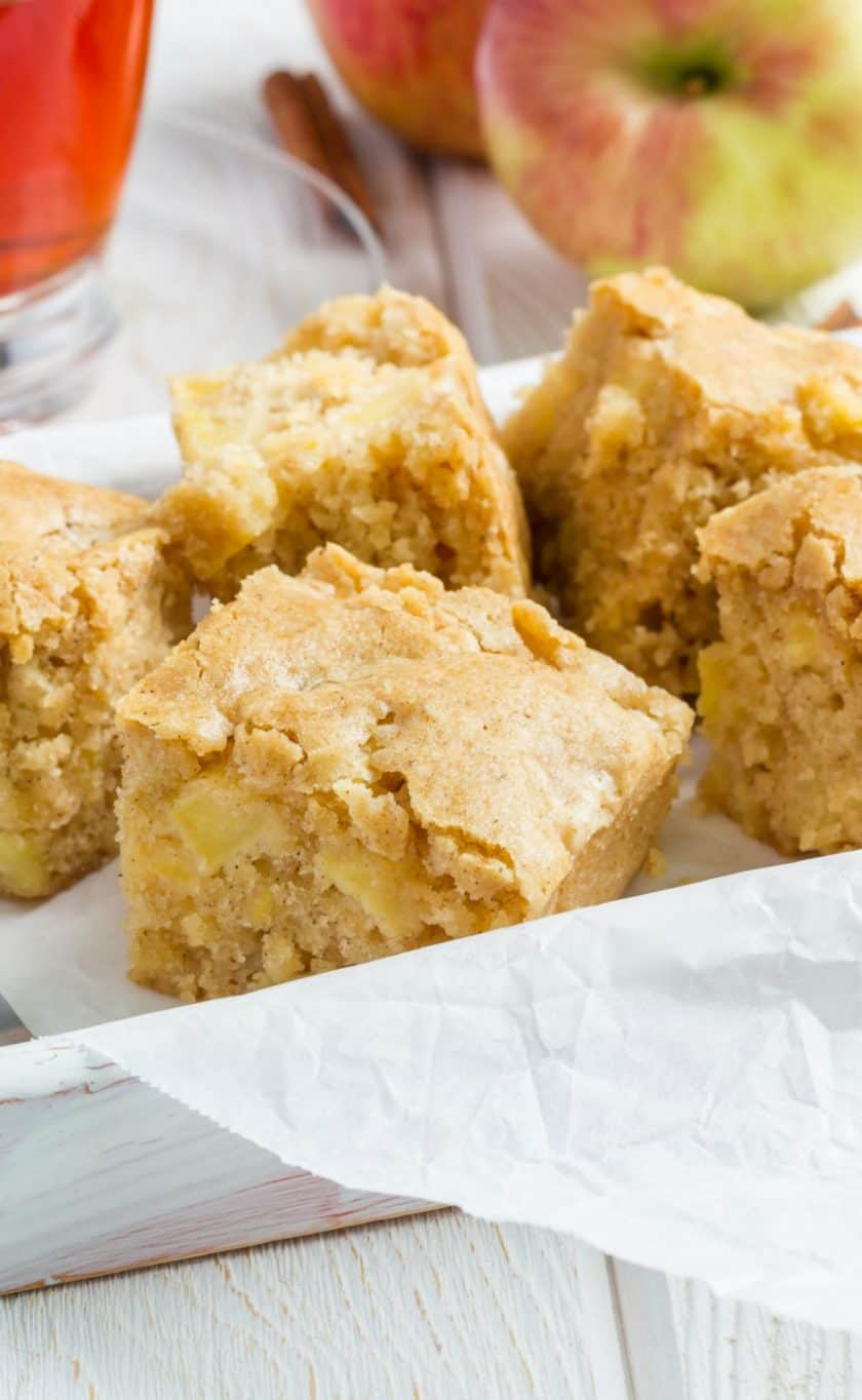 Apple Cinnamon Blondies Recipe: A Perfect Fall Treat | 31Daily.com