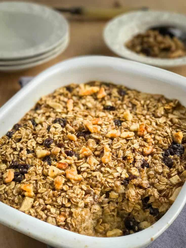 Amish Baked Oatmeal with Apples: Simple Comfort Food
