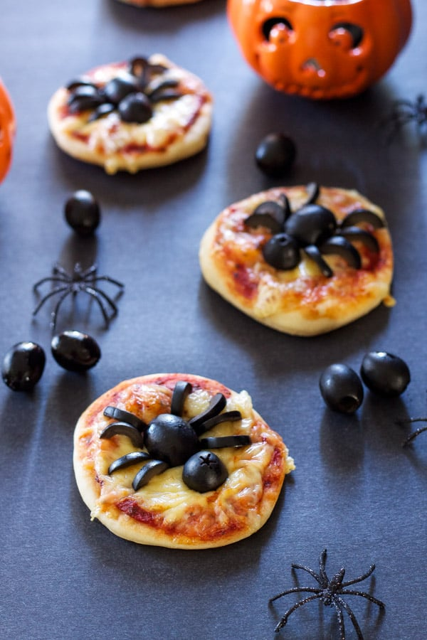 Easy Fun Healthy Halloween Treats Your Trick-or-Treaters Will Love | 31Daily.com