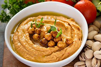 Quick Roasted Red Pepper Hummus Dip | 31Daily.com