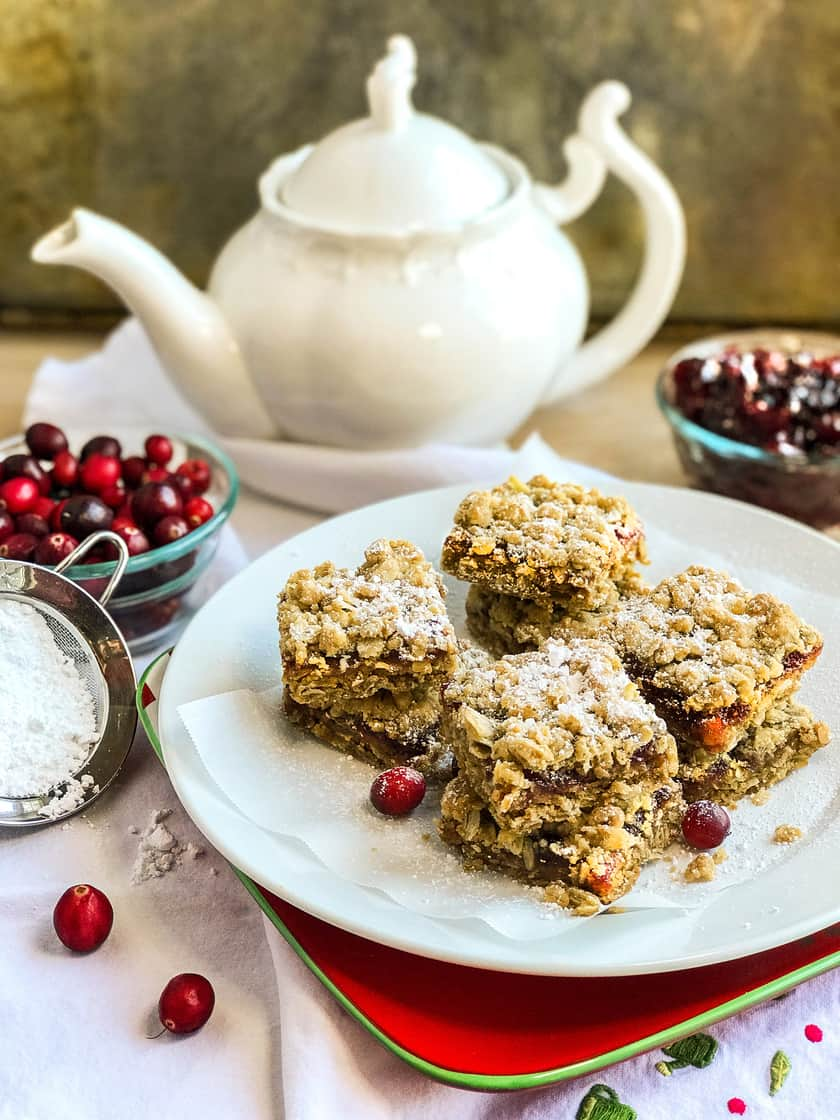 Cranberry Crumb Bars with Cinnamon and Ginger | 31Daily.com