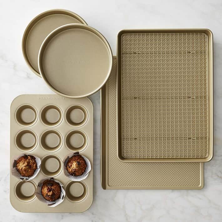 Williams Sonoma Goldtouch® Nonstick 6-Piece Essentials Bakeware Set