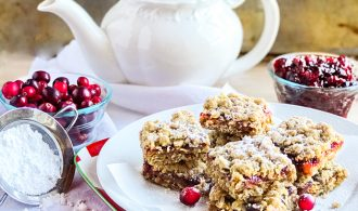 Cranberry Crumb Bars with Cinnamon and Ginger