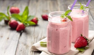 A Healthy Strawberry Banana Smoothie to Energize Your Morning