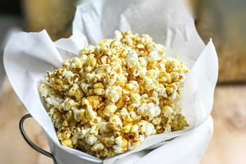 Homemade Sweet and Spicy Coconut Curry Popcorn | 31Daily.com