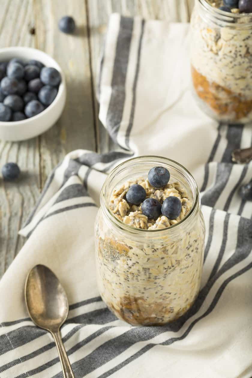 Overnight Oats with Blueberries and Honey | 31Daily.com