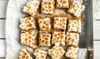 Simple, Pure, and Easy S'mores Bars… in the Oven