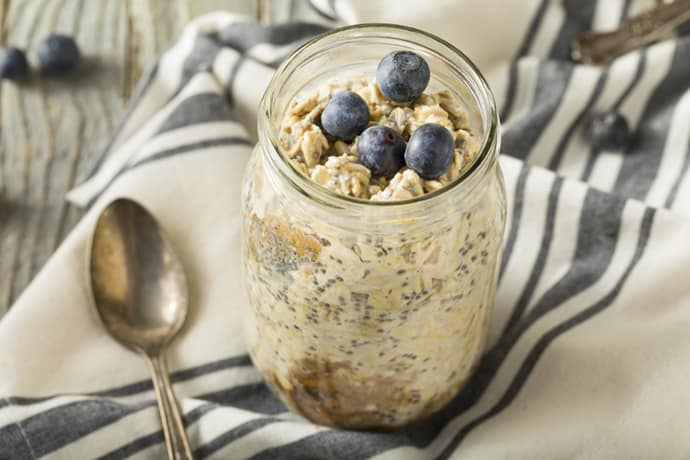 Overnight Oats with Blueberries and Honey