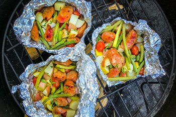 Easy Summer Sausages, Potato and Vegetable Foil Packets   31Daily.com