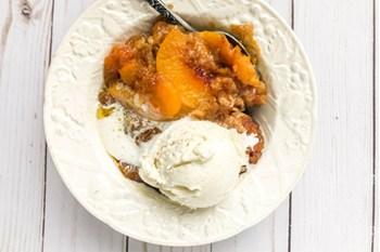 Easy Slow Cooker Peach Cobbler | 31Daily.com