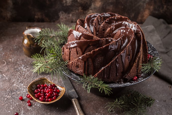 A Soft and Spicy Gingerbread Bundt Cake for the Holidays