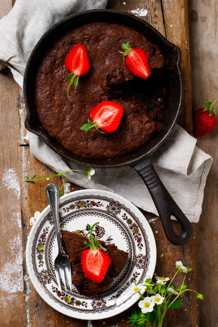 Deliciously Fudgy Skillet Brownie | 31Daily.com