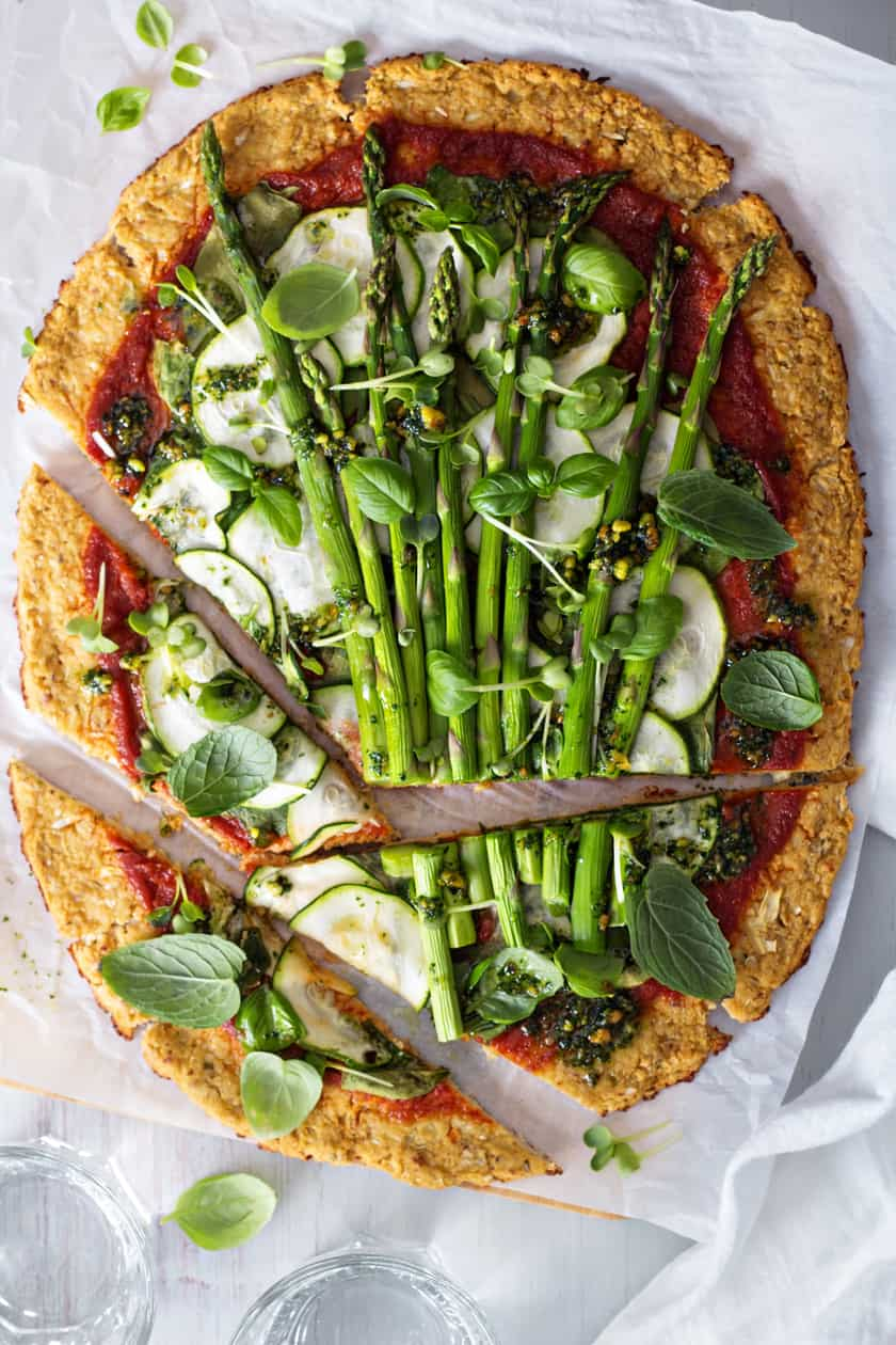 Easy Low Carb Cauliflower Pizza with Asparagus and Zucchini | 31Daily.com
