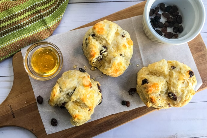 Easy Mini Irish Soda Bread | 31Daily.com
