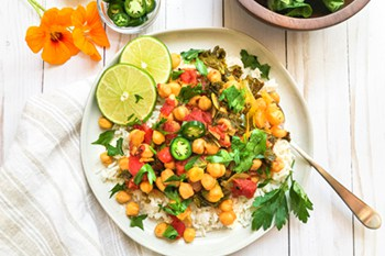 thumbnail photo of instant pot chickpea curry
