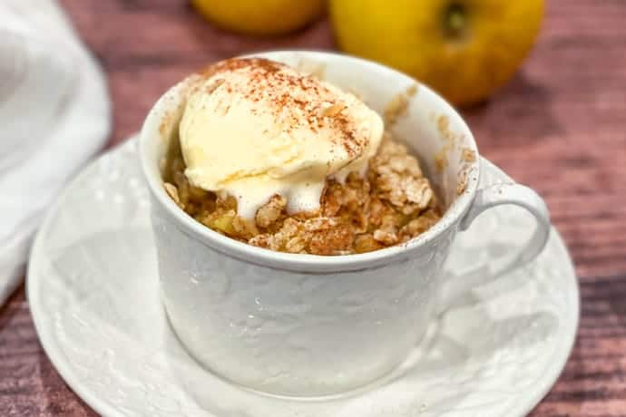 3 Minute Microwave Apple Crisp in a Mug