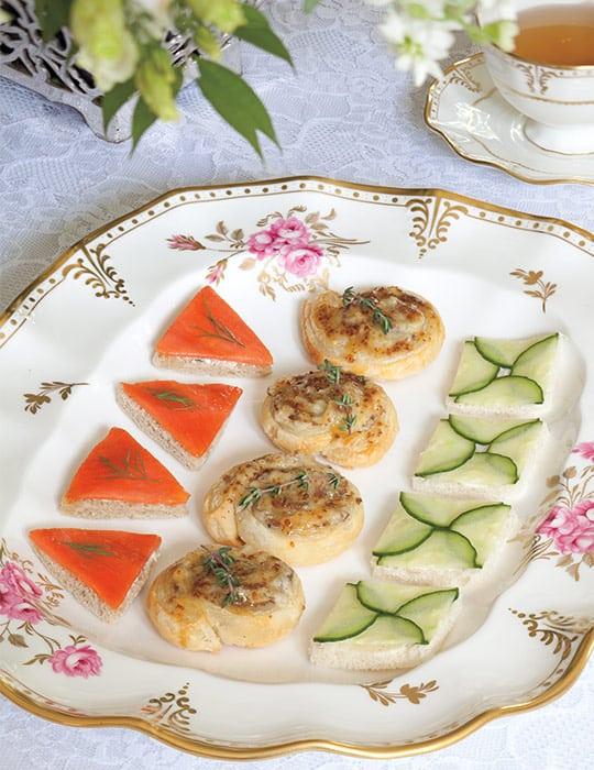 Dilled Orange-Salmon Canapés