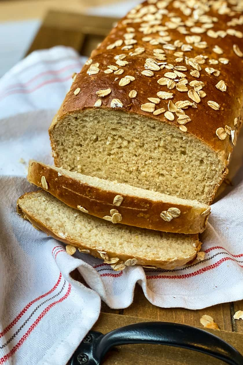 Sliced Oatmeal Bread